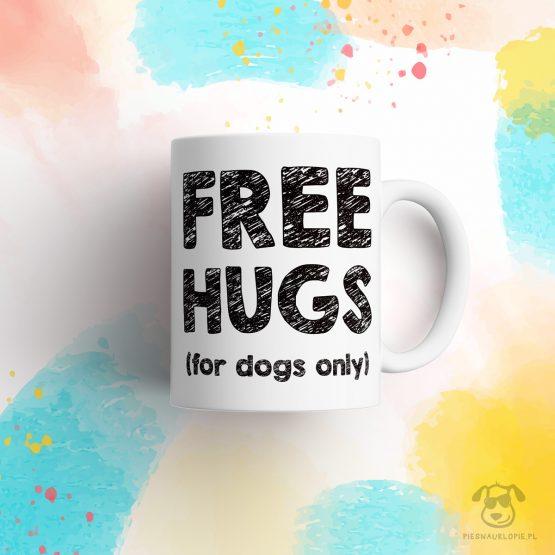 """Kubek """"Free hugs for dogs only"""" idealny dla właściciela psa do pracy, do domu i w podróż. Na prezent dla miłośnika zwierząt czy jako gadżet dla wielbiciela psów."""