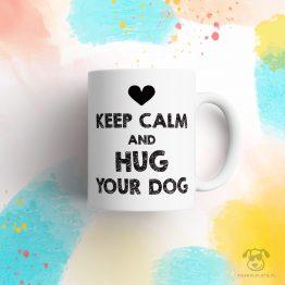 """Kubek """"Keep calm and hug your dog"""" idealny dla właściciela psa do pracy, do domu i w podróż. Na prezent dla miłośnika zwierząt czy jako gadżet dla wielbiciela psów."""