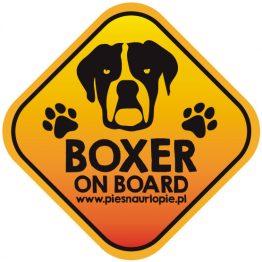 Naklejka na samochód z psem rasowym (bokser) idealna dla właściciela, który lubi podróżować z psem i dba o jego bezpieczeństwo. Na prezent dla miłośnika zwierząt czy jako gadżet dla wielbiciela psów.