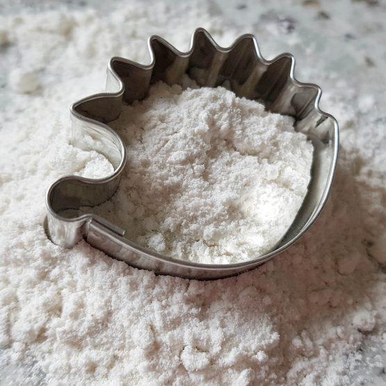 Foremka do ciastek w kształcie jeża idealna dla miłośników jeży i gotowania. Na prezent dla właściciela jeża czy jako gadżet dla wielbiciela jeżyków lub innych zwierząt.