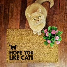 """Wycieraczka kokosowa """"Hope You like cats"""" idealna dla właściciela kota. Na prezent dla miłośnika zwierząt czy jako gadżet dla wielbiciela kotów."""