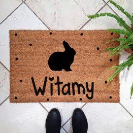 Wycieraczka kokosowa z królikiem. Prezent dla właściciela królika. Sklep z wyjątkowymi gadżetami dla miłośników zwierząt.