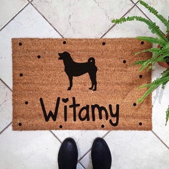 Wycieraczka kokosowa z psem rasowym appenzeller mountain dog. Prezent dla właściciela psa. Sklep z wyjątkowymi gadżetami dla miłośników zwierząt.