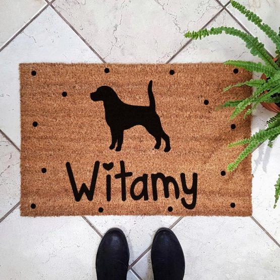 Wycieraczka kokosowa z psem rasowym beagle. Prezent dla właściciela psa. Sklep z wyjątkowymi gadżetami dla miłośników zwierząt.