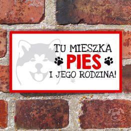 Tabliczka ostrzegawcza z psem rasowym akita inu. Prezent dla właściciela psa. Sklep z wyjątkowymi gadżetami dla miłośników zwierząt.