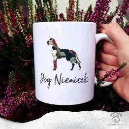 Kubek z psem – Dog niemiecki cały w kwiatach. Autorski projekt, delikatność wzoru, piękno kwiatów i miłość do psów w jednym :)
